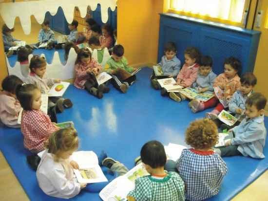 Planificaci n diaria del aula de infantil actividades for Alfombras de juegos para ninos