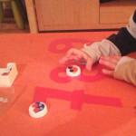 Aprendiendo el trazo de los números con un juego manipulativo