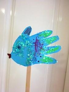 Hacemos un pez marioneta con nuestra mano
