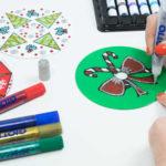 Cómo preparar unos mandalas navideños con CDs reciclados