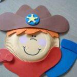 PERSONAJES CON PLATOS DE CARTÓN: EL SHERIFF DE LA CLASE
