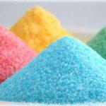 Cómo preparar azúcar de colores para uso escolar.