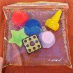 Bolsas sensoriales caseras con agua para los más pequeños