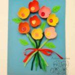 Un ramo de flores recicladas para decorar la habitación de mamá