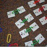 Una actividad para aprender las letras y desarrollar la psicomotricidad fina