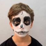 Maquillaje de esqueleto infantil para Halloween