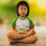 Qué beneficios aporta el yoga a nuestros peques