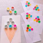 Un juego reciclado de colores para trabajar la motricidad fina